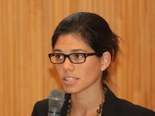 Dr Laura Diaz Anadon